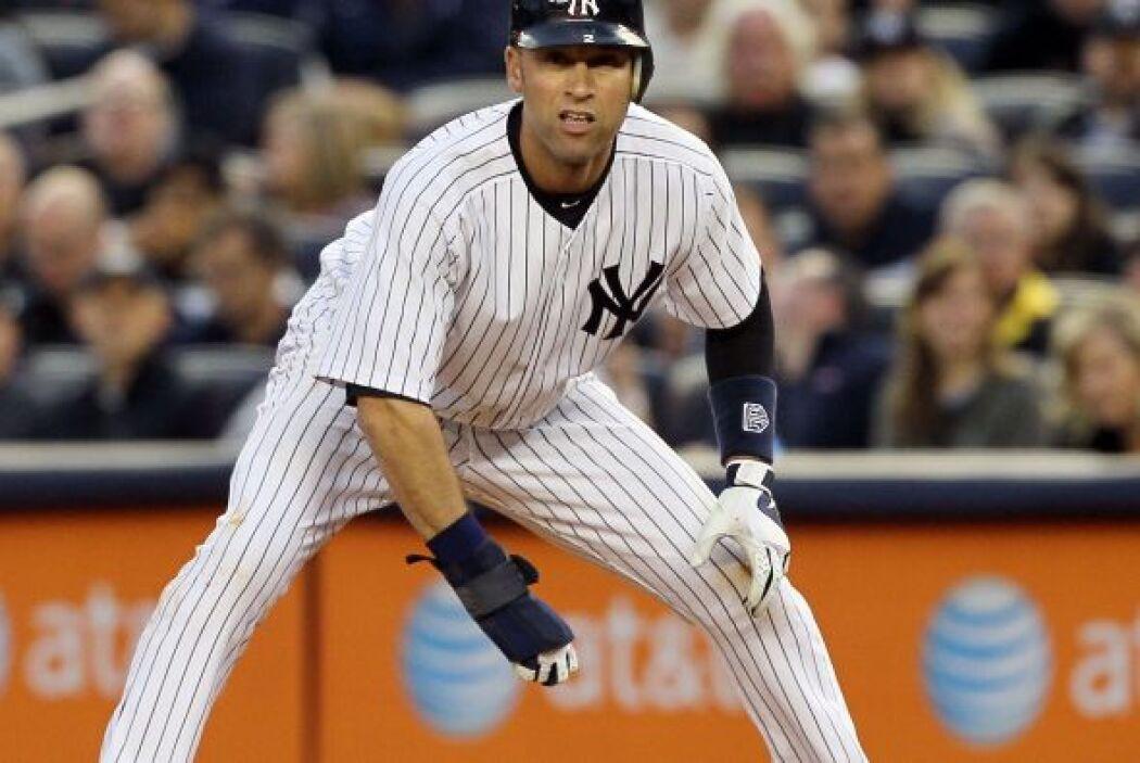 16. DEREK JETER- El capitán de los Yankees firmó un nuevo contrato con e...