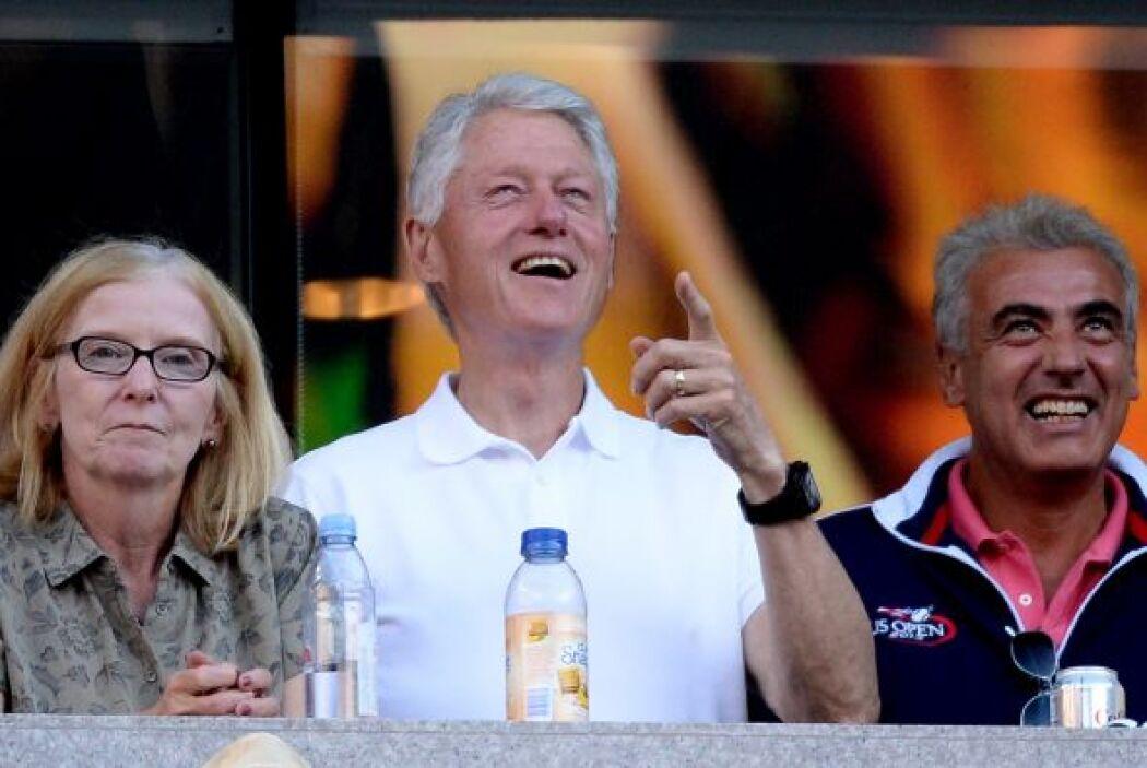 Clinton feliz con el partido.Mira aquí lo último en chismes.