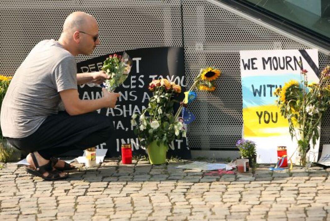 Frases de apoyo dirigidas a los familiares de las víctimas, se podían ap...