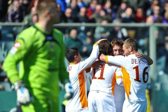 Por segunda semana consecutiva, Totti marcó un doblete y de este modo sa...