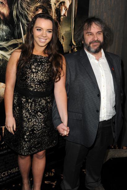 El director Peter Jackson llegó muy bien acompañado de su bella esposa,...