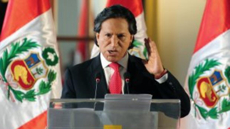 El ex mandatario Alejandro Toledo lidera las encuestas rumo a los comici...