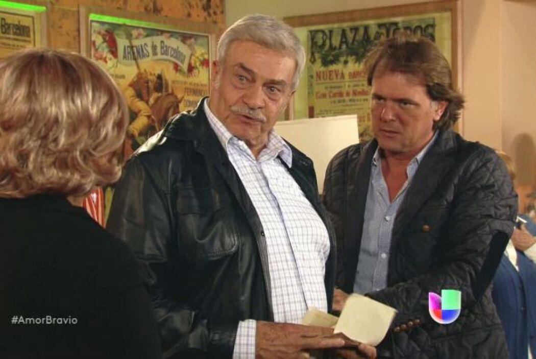 Ahora Cayetano sabe que Rocío sí amaba a Don Daniel y no piensa perdonar...