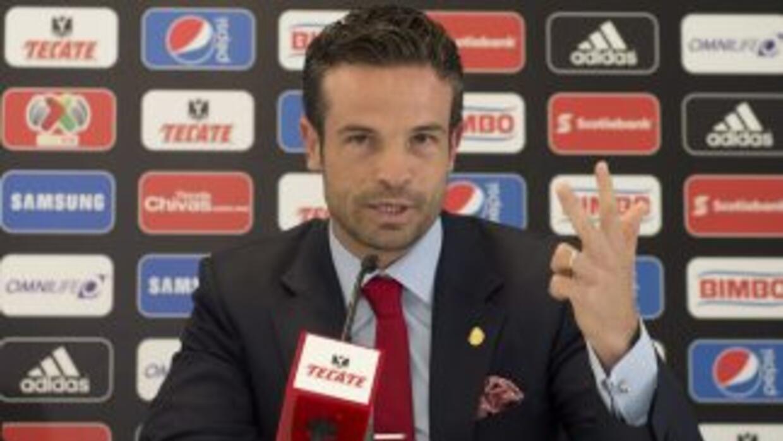 El directivo de Chivas afirmó que el club no hará contrataciones mediáti...