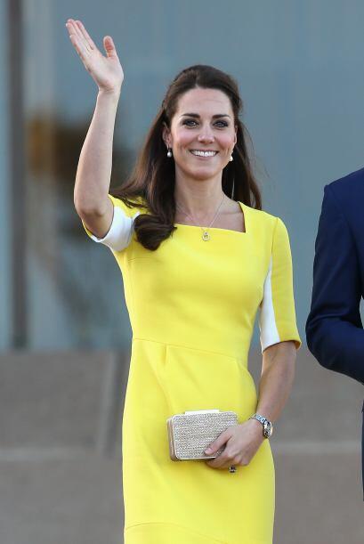 Hablando de curvas, a Kate más bien la caracteriza su delgada fig...