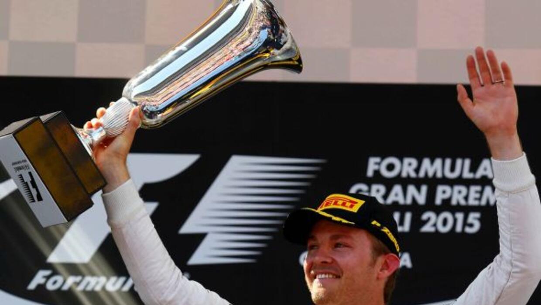 El alemán Rosberg se impuso a su propio coequipero Hamilton.