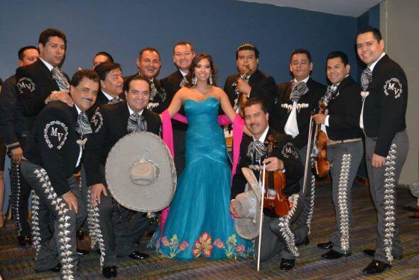 Virginia Stille tiene 25 años  y es originaria de Monterrey. Estudió per...