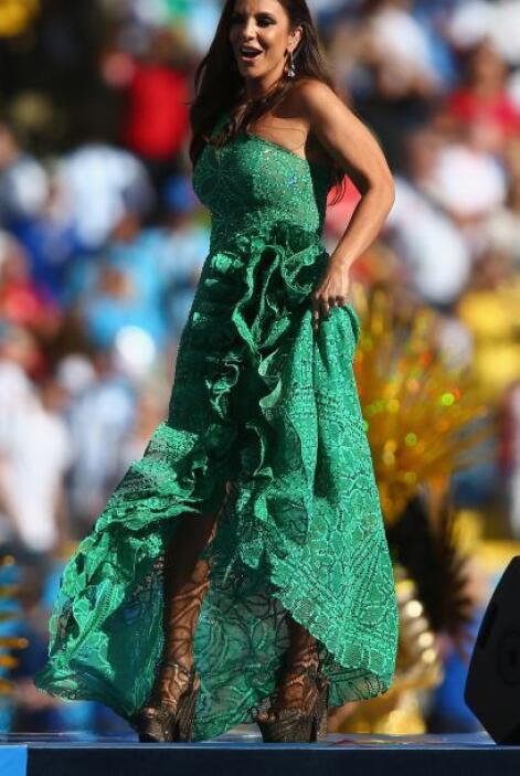 Enseguida salió la cantante Ivete Sangalo. Mira aquí los videos más chis...