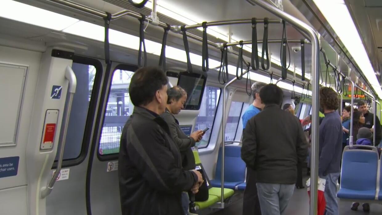 Abre la nueva estación del BART en Fremont dos años después de lo previsto