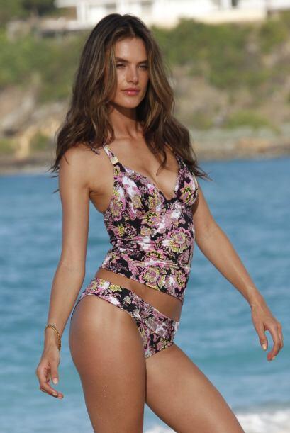 ¡Romper las olas con mucho estilo y 'glamour'! No importa si usas...