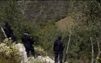 Hallan en México nueva fosa clandestina con más de 30 cuerpos y una dece...