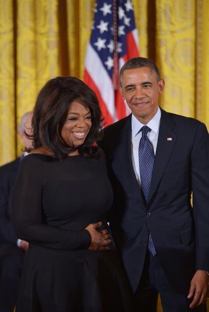 Oprah posando con Obama. Mira aquí los videos más chismosos.