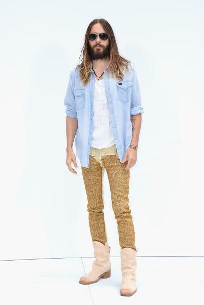 Para la ocasión, Jared siguió firme a su estilo desenfadad...