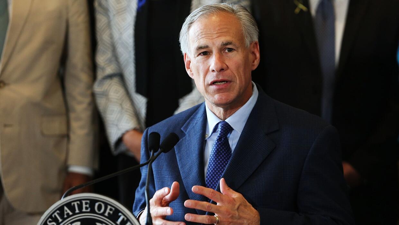 Gobernador de Texas amenaza con cortar los fondos a un alguacil que quie...
