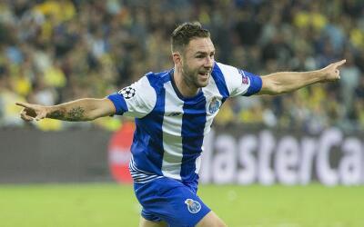 Miguel Layún es jugador del Oporto.