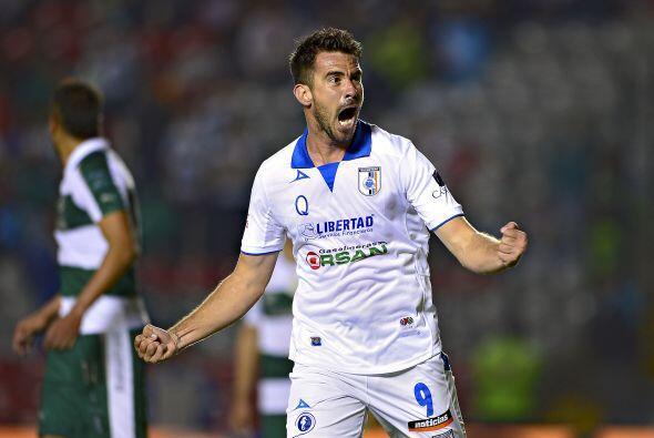 Isaac Romo.- El delantero del Querétaro entró faltando 15...