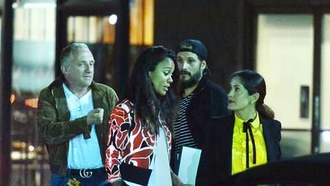 Zoe Saldaña y Salma Hayek salen por sushi con sus maridos.