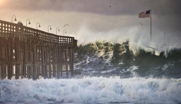 Oleaje causa daños en el muelle del condado de Ventura
