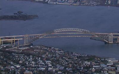 Después de cuatro años, reabren el puente de Bayonne que comunica a Nuev...