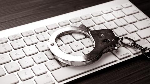 Discutimos si los presos deben tener acceso a la tecnología en las cárceles