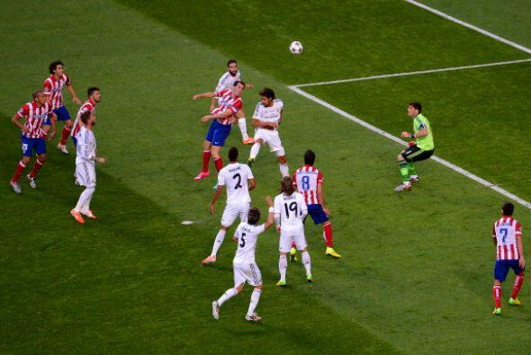 Los nervios traicionaban yel Madrid fue todo confusión con este remate d...
