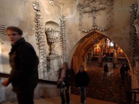La historia del lugar inicia en el año 1278 cuando el Abad de Sed...