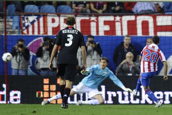 El portugués Simao puso la igualada al 51' con un penalti. El res...