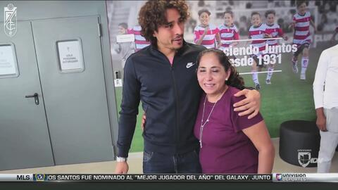 Ochoa está sentado sobre una Granada, pero los fanáticos y sus compañero...