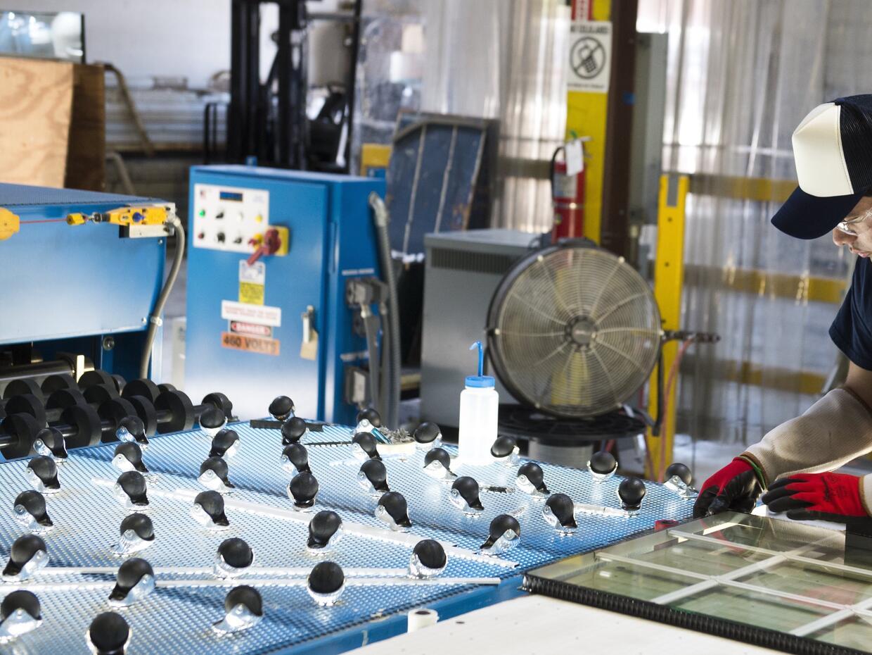 Los nuevos empleos de manufactura serán distintos a los de las an...
