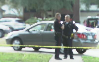 Una mujer muere baleada por su vecino en el norte del condado Harris