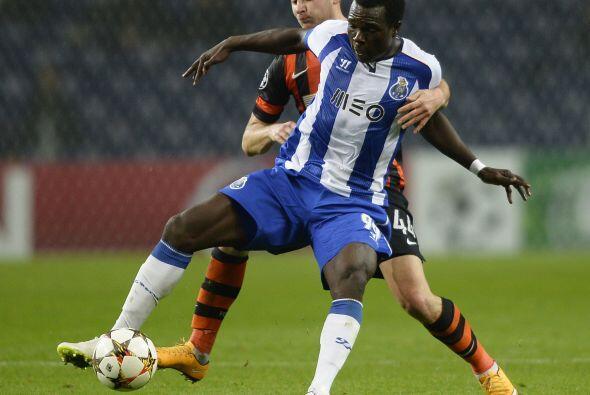 Por el Porto, fue Vincent Aboubakar quien se encargó de emparejar...