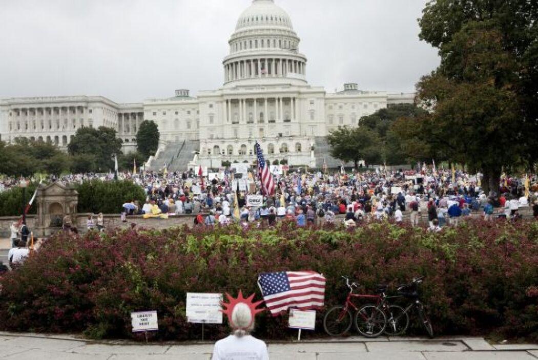 En Sacramento, aproximadamente 4.000 personas acudieron al sitio donde e...