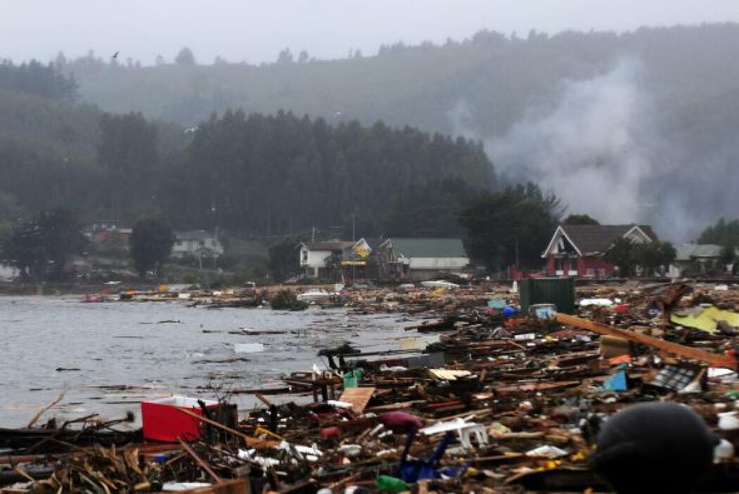 Tras el sismo vino un fuerte tsunami que destruyó varias zonas que ya ha...