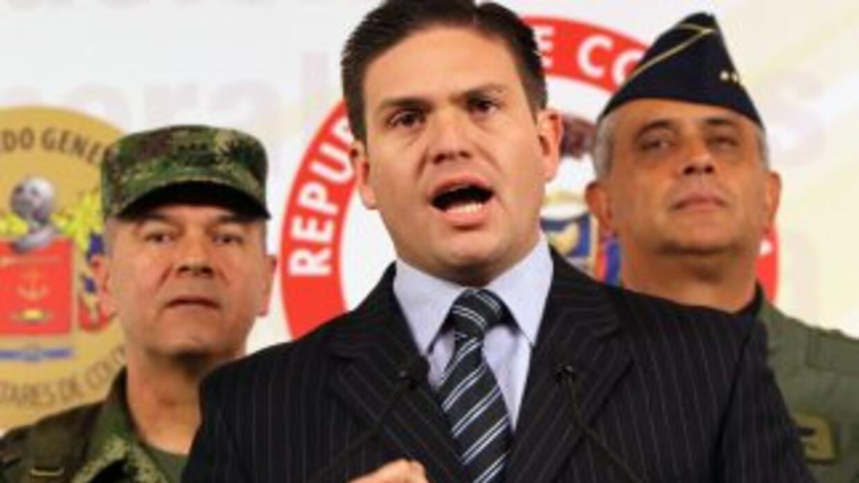 El ministro de Defensa, Juan Carlos Pinzón, dijo que el grupo rebelde si...