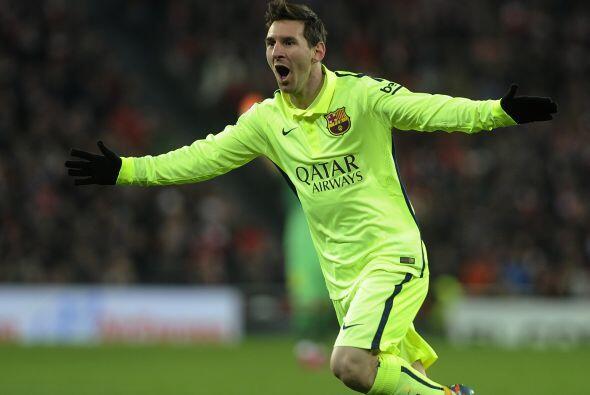 Mientras esto ocurre con el jugador, Lionel Messi su más cercano...