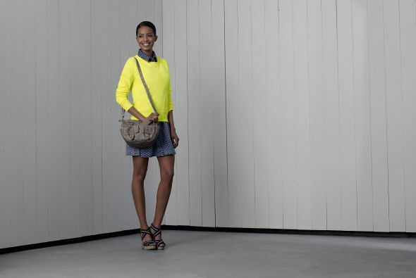 3. Vestido corto de lunares de Mossimo Su pply Co. $27.99Suéter amarillo...