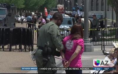 Más de 100 activistas arrestados