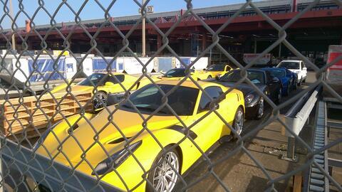 Los 11 autos incautados al funcionario africano espran por su suerte en...