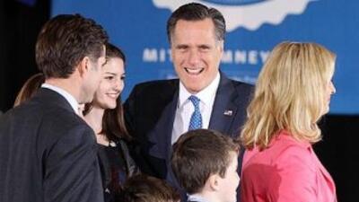 El aspirante Mitt Romney gana en Illinois y da otro paso rumbo a la nomi...