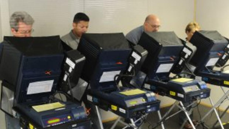 Unos 16 millones de hispanos están habilitados para votar en las eleccio...