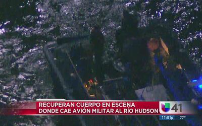 Cae avión militar en el Río Hudson, recuperan un cuerpo