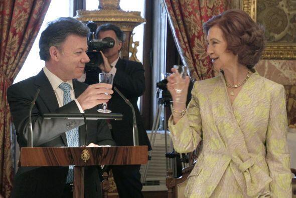 El mandatario colombiano asistió a un desayuno con los Reyes de España.