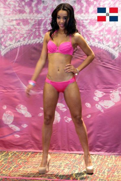 •  Carolina Peguero (Dominicana)