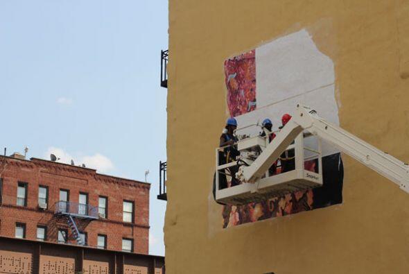 """""""En estos tiempo nadie está apoyando el arte público. Yo lo estoy hacien..."""