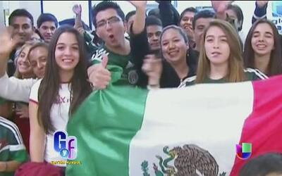 Los chicos de la selección mexicana fueron recibidos como héroes al lleg...
