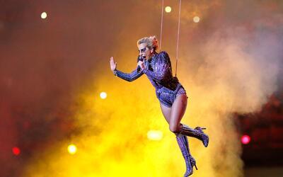 Lady Gaga se lanzó de una altura estimada en 260 pies.