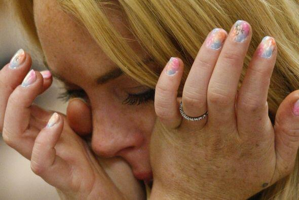 Sus lágrimas decían una cosa, pero su pintura de uñas otra muy distinta....