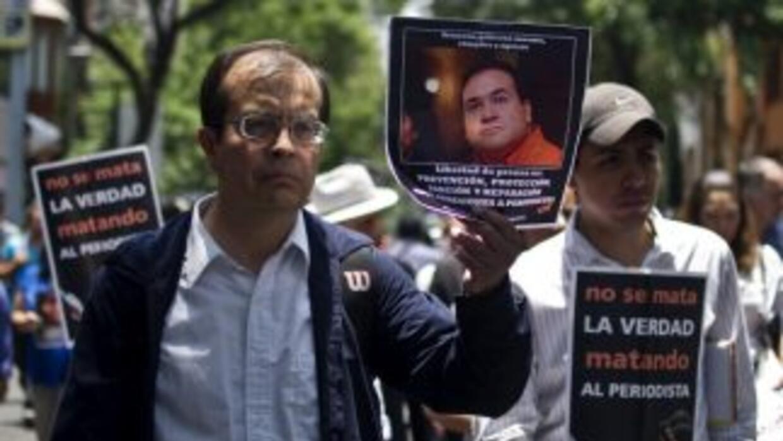 Peridistas mexicanos protestaron por la ola de violencia contra el gremio.