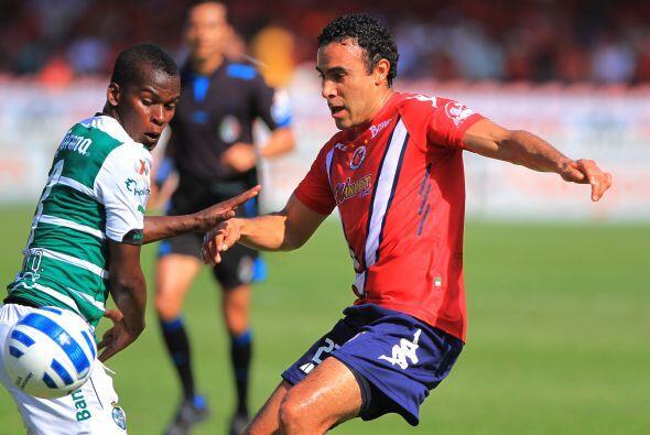 El defensor Leobardo López es el único jugador de los jarochos que ha si...
