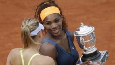 Serena Williams le ganó la final de Roland Garros a María Sharapova.